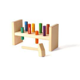 kinderspielzeug hammerbank aus holz, farbenfroh