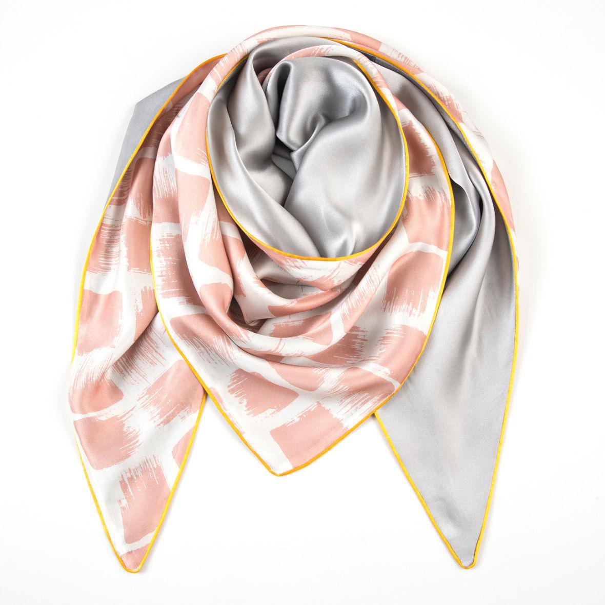 dreieckschal moitié carré in rosé gris