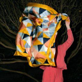 seiden foulard le bauhaus saffron frau le foulard